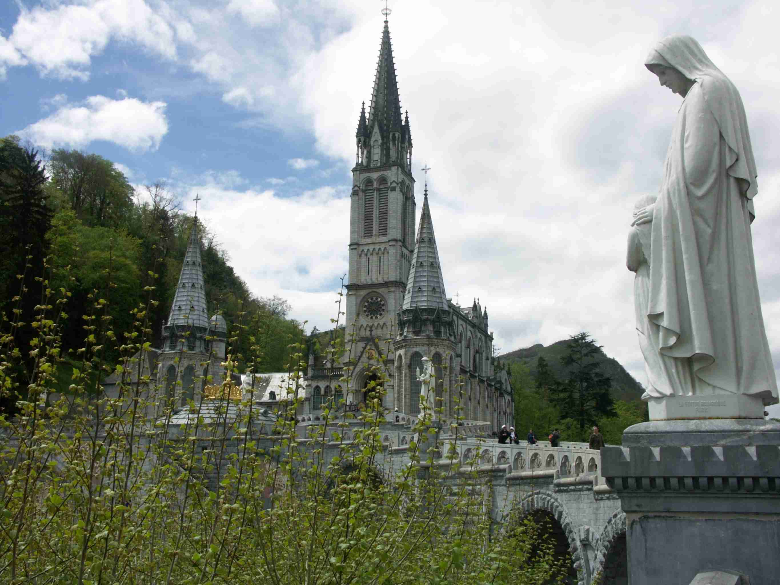 Sanctuary of Lourdes France discountholiday1