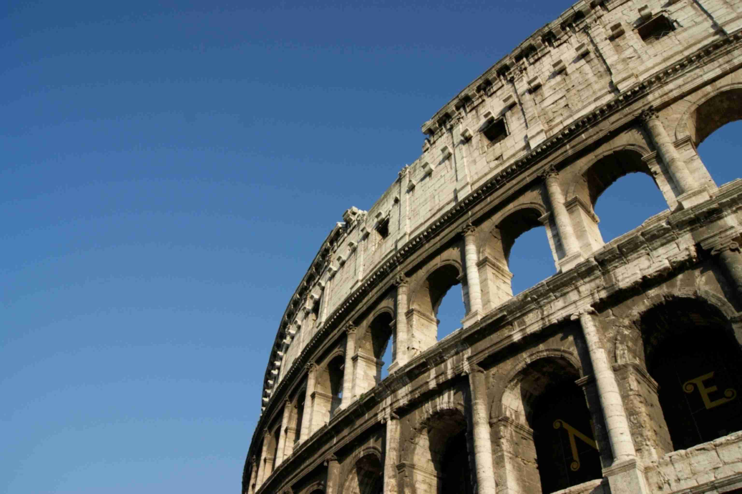 Colosseum in Rome Italy discountholiday1
