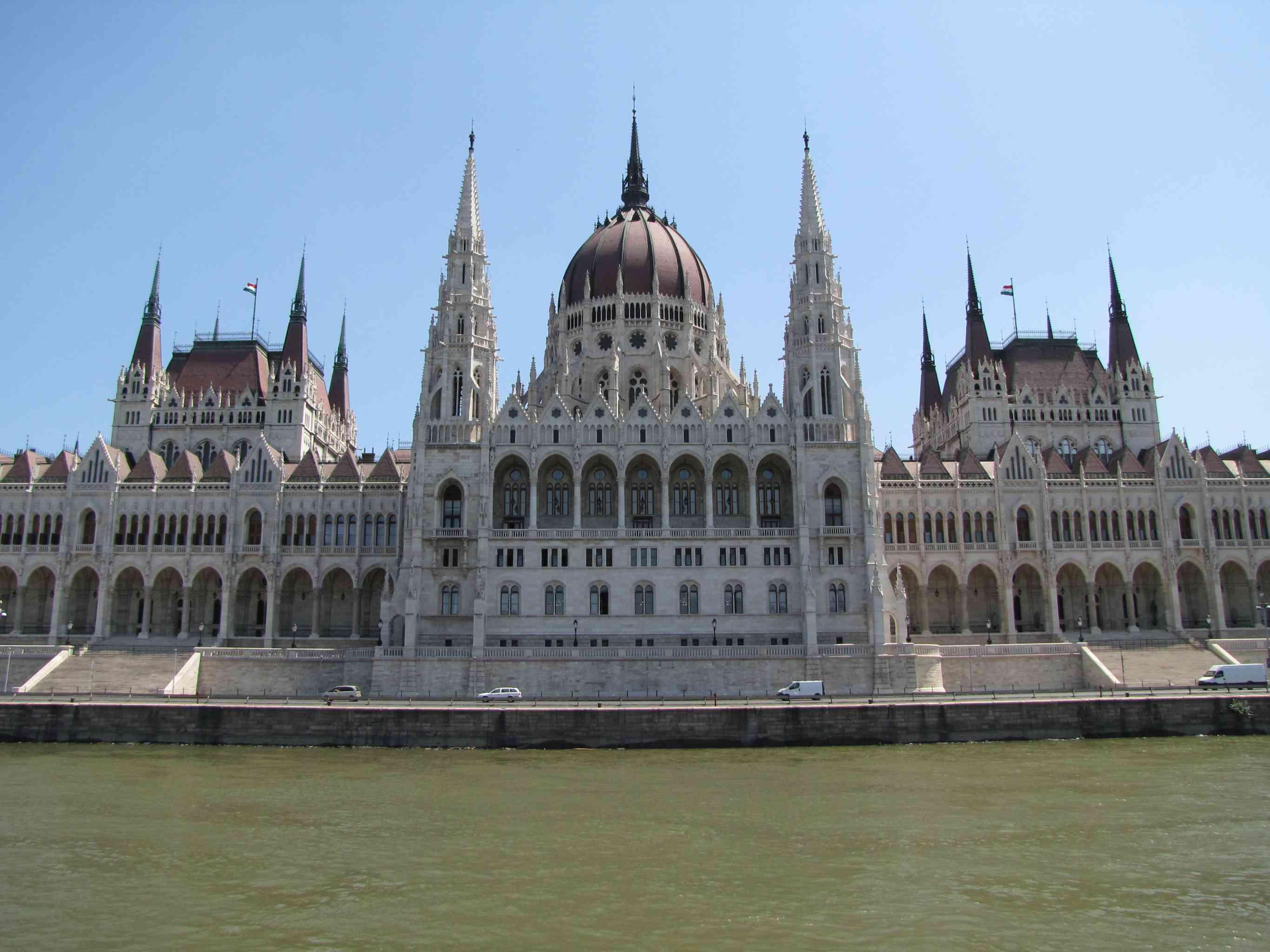 parliament budapest discountholiday1